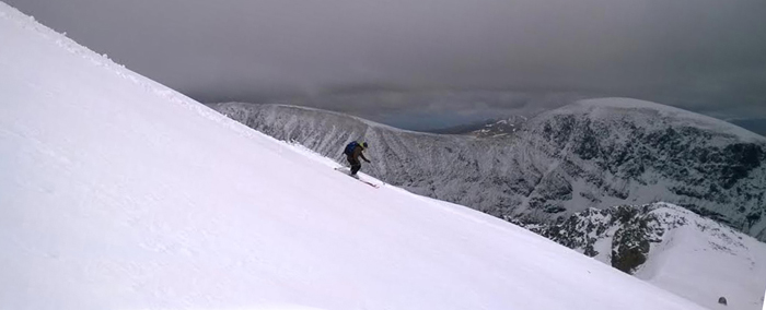 Skiing down the southeast ridge of Ben Nevis towards Coire Leis, May 2015.